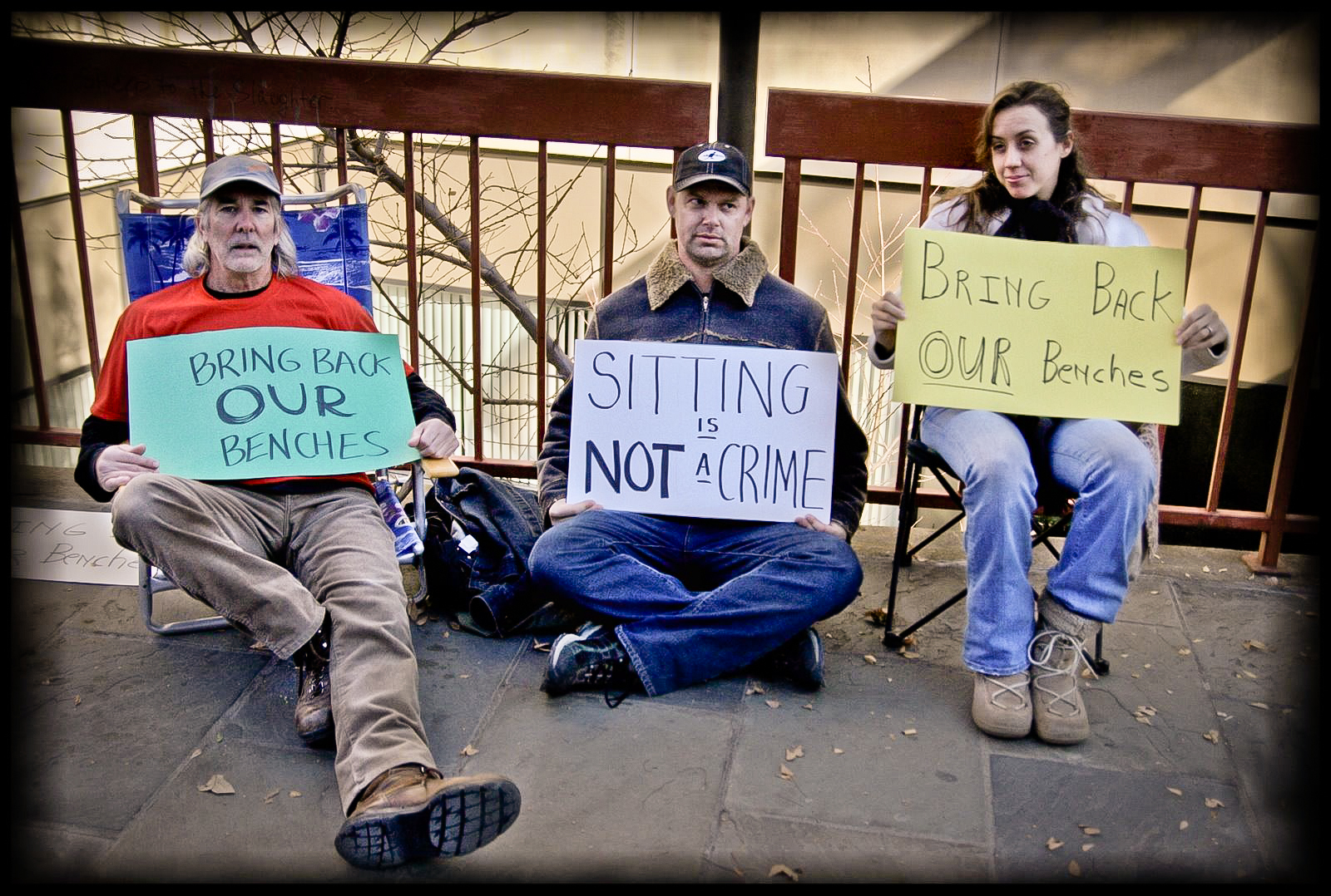 Protesters outside Pack Library, 2008. Photo by Jen Bowen.